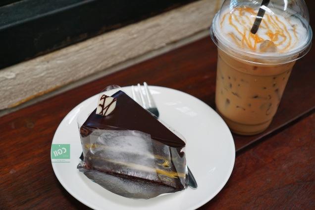 Cafe de flore นนทบุรี